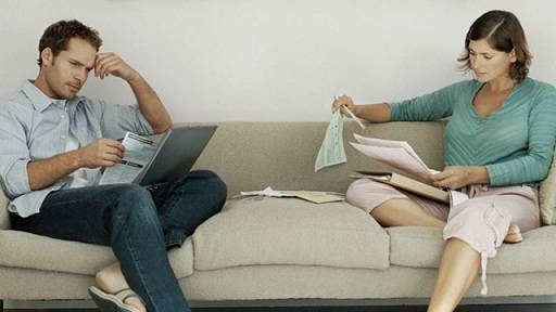 Husband and wife sorting out debt problem